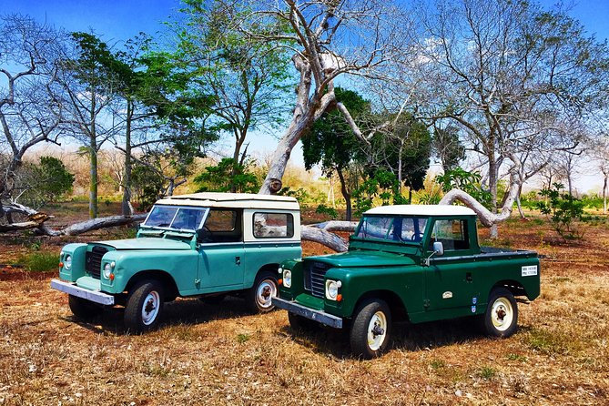 Full-Day Expedition To Uxmal & Ride In A Vintage Land Rover