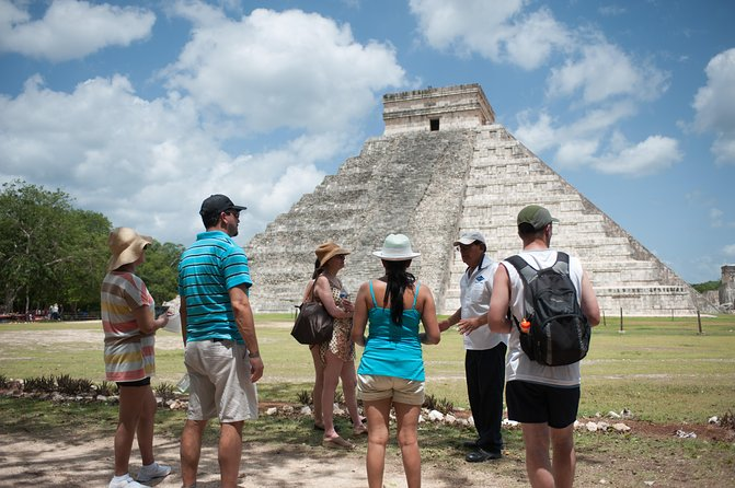 Chichen Itza with Private Guide, Transportation & Welcome Suite