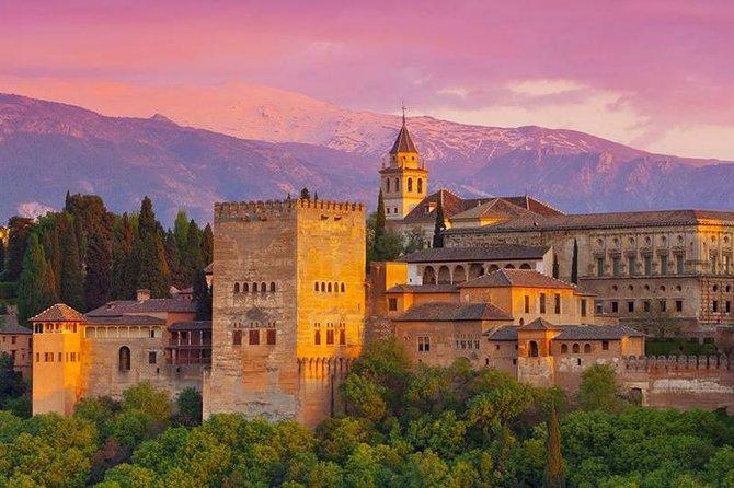 Viagem diurna para Granada com entrada Evite as Filas para Alhambra saindo de Málaga