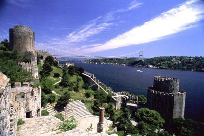 Istanbul Boat Cruise and Dolmabahce Palace & Two Continents