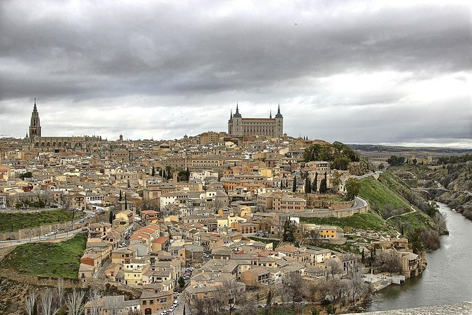 Toledo Guided Tour with Wine Tasting in a Centenary Winery from Madrid