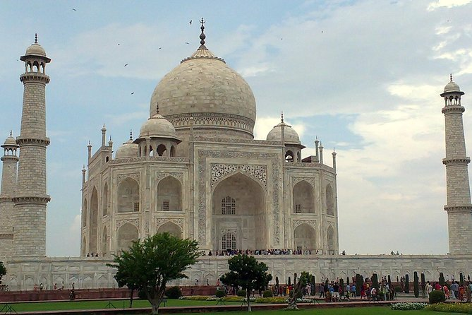 Private same day Taj Mahal tour for solo traveller