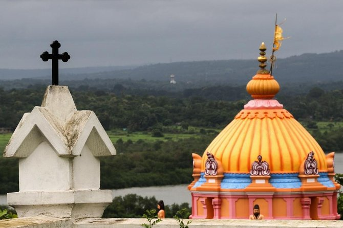 Divar island tour including ride on ferry & lunch (near Panaji)