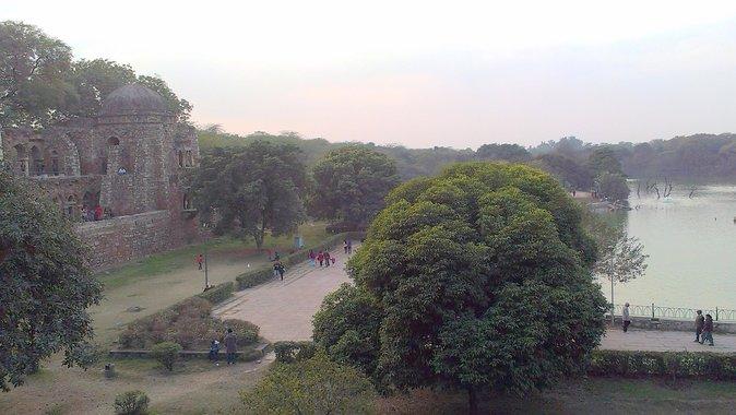 Private Delhi Heritage and Urban Village Walk at Hauz Khas Village