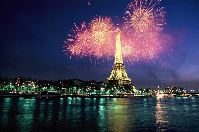 Bateaux Parisiens Bastille Day Cruise 6-Course Gourmet Dinner and Live Music