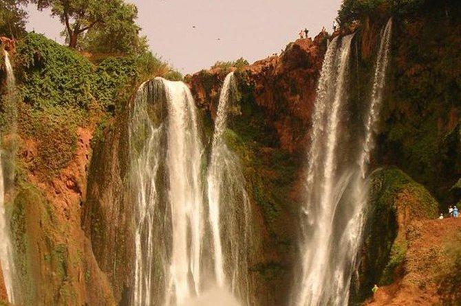 1 dag naar ouzoud watervallen gegraveerd Voeten van dinosaurussen en ImiNifri-brug