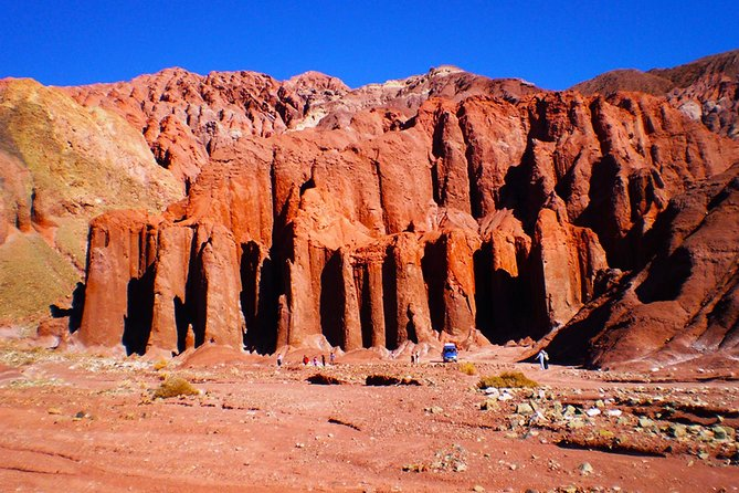 Rainbow Valley and Yerbas Buenas Petroglyphs