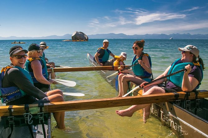 Waka Paddling Tour: Toka Ngawha Split Apple Rock from Kaiteriteri