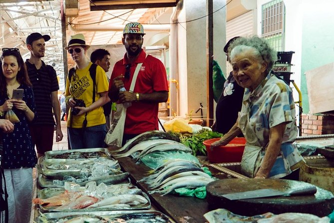 Kuala Lumpur in the Morning: Market Foodie and Shopping Adventure Tour