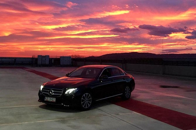 Luxury Warsaw Chopin Airport Transfer by private Limousine