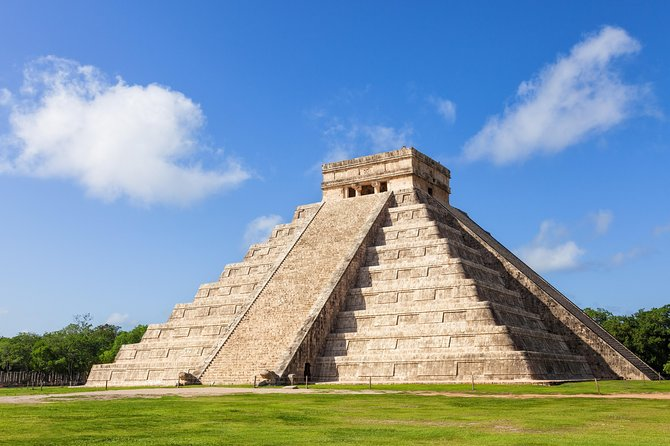 Viator Exclusive: Early Access to Chichen Itza from Playa del Carmen with Archaeologist