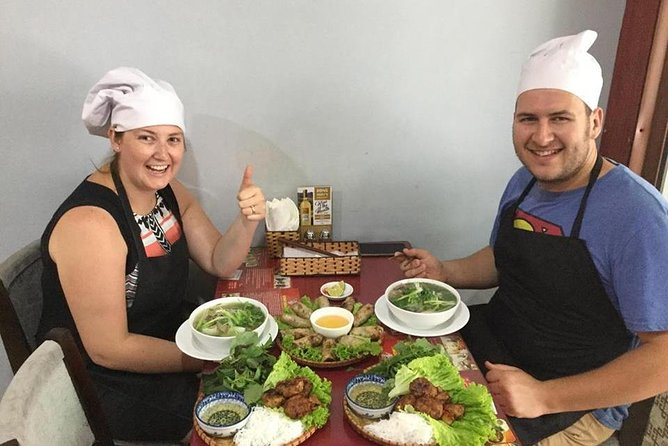 1 Hour cyclo + 3 hour cooking class