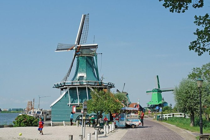 Dutch Countryside Sightseeing Day Tour