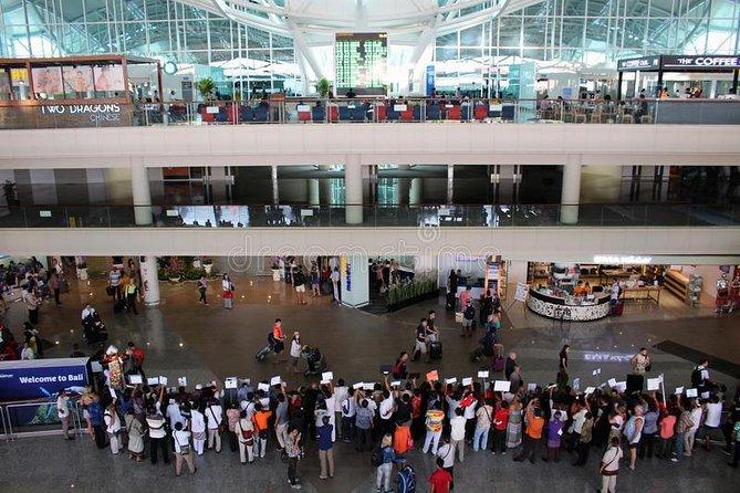 Private Arrival Transfer: Bali Airport to Jimbaran and Uluwatu Hotel