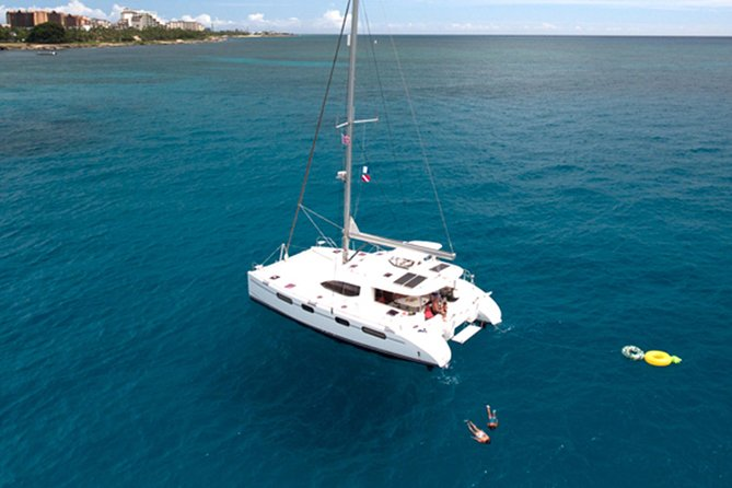 Oahu Small Group Snorkel Tour with Yacht Cruise