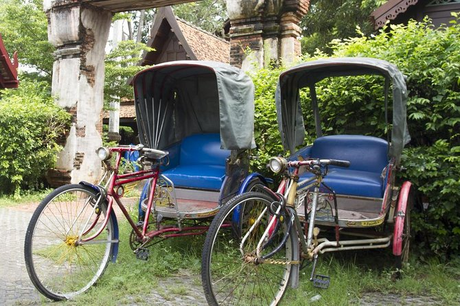 Cruise Chiang Rai in style via samlor!