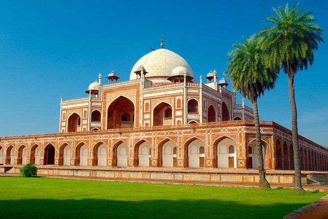 Private Old and New Delhi Sightseeing Tour with All Inclusive