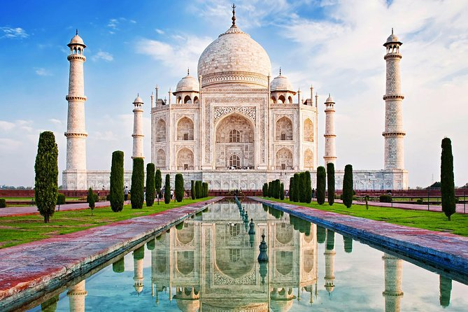 Taj Mahal Tour by Gatimaan Train/Rail All Inclusive