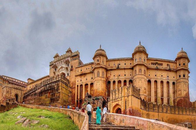Golden Triangle Tour 3 Nights 4 Days : { Taj Mahal at Sunrise }