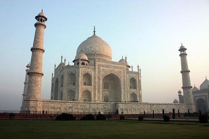 One day Taj Mahal Tour from Delhi