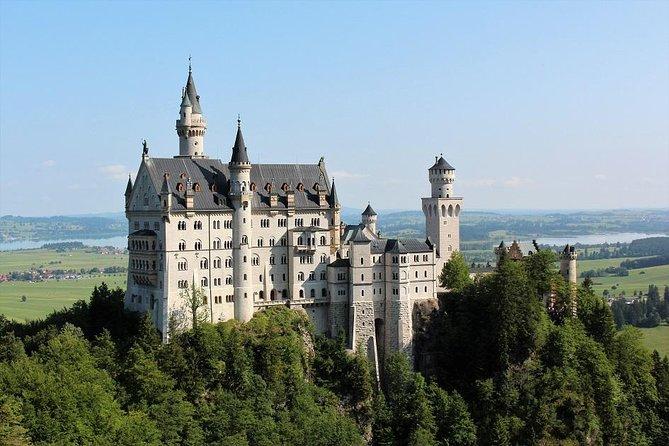 Neuschwanstein Castle Tour with Horse Carriage Ride