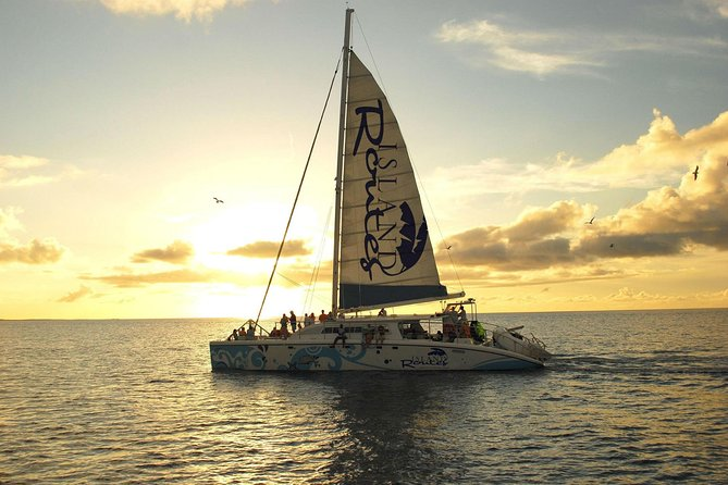 Reggae Sunset Catamaran Cruise desde Montego Bay