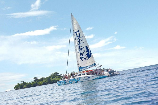 Negril Catamaran Cruise With Stops At Margaritaville & Ricks Cafe