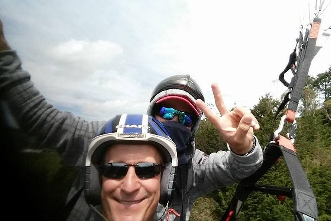 Medellin City Tour Including Paragliding and Food Tasting