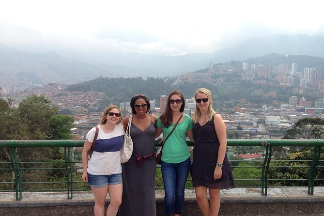Medellin City Tour Including barrios and food tasting