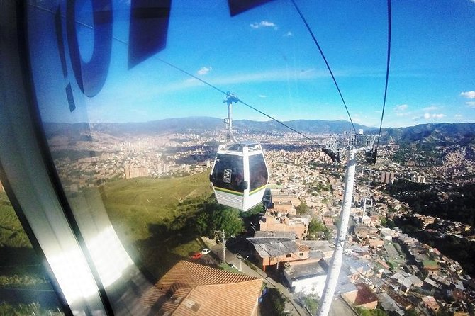 Medellin City Tour Including Metro Cable and Food Tour