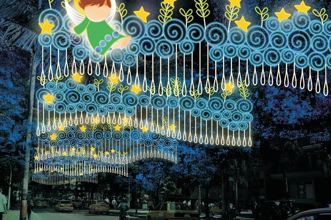 Combo Tour: Metro System, Christmas Lights and Food Tour of Medellin