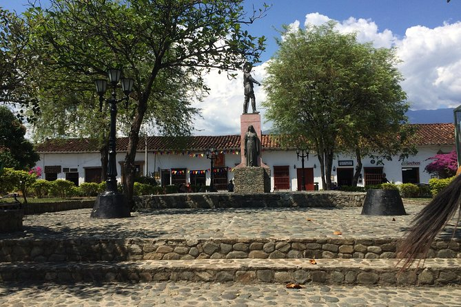 Combo Tour: Santa Fe de Antioquia and Christmas Lights from Medellin