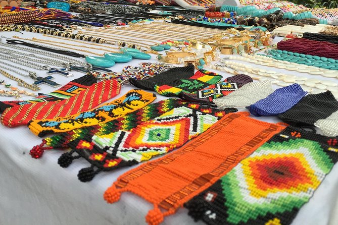 Colombian Handicrafts and Market Tour in Medellin