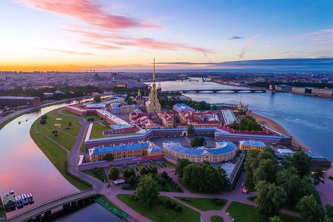 One-Day Classic Tour of St Petersburg with Hermitage & Fortress