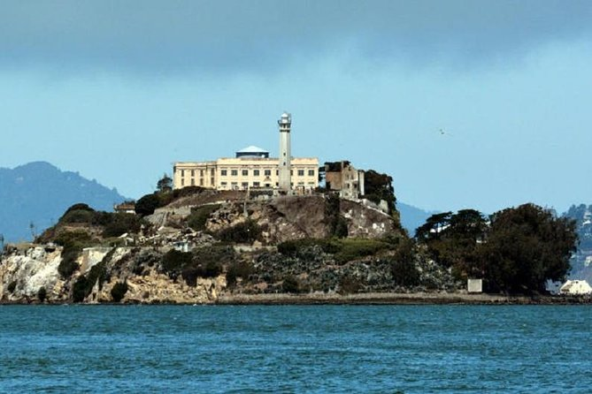 Alcatraz Inside with Fisherman's Wharf Lunch Credit