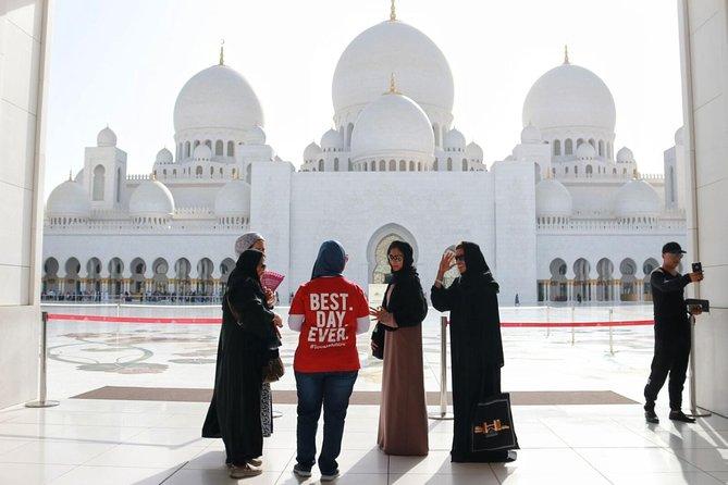 Private Dubai Abu Dhabi Highlights Tour Including Transportation from Dubai