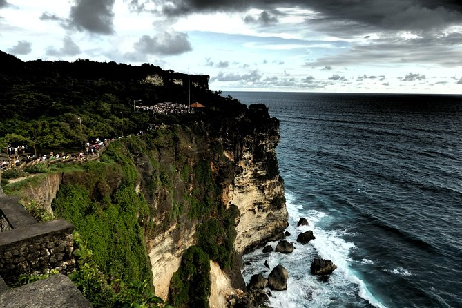 Tanah Lot and Uluwatu Temple Beach Tour - Free WiFi