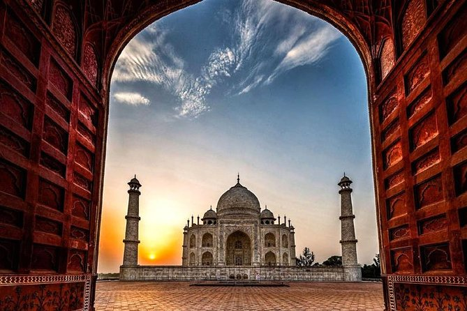 Private Taj Mahal Sunrise and Sunset Tour from Delhi