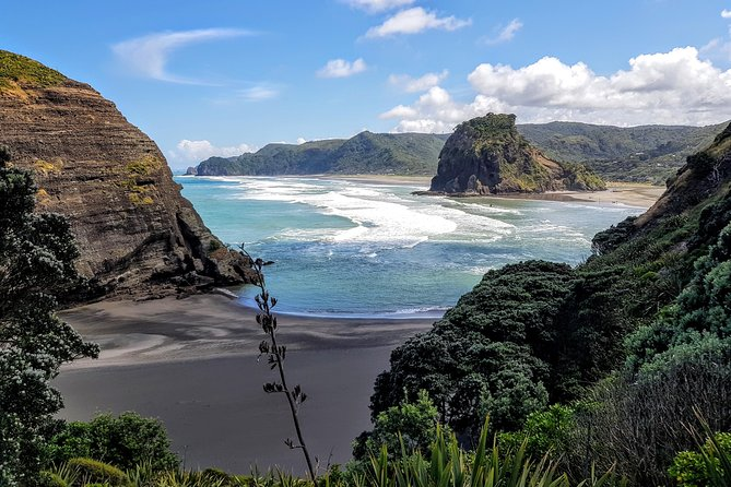 Trippy - Piha Paradise Full Day Tour