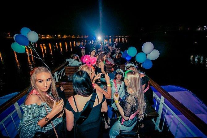 Warsaw Boat Party & Pub Crawl