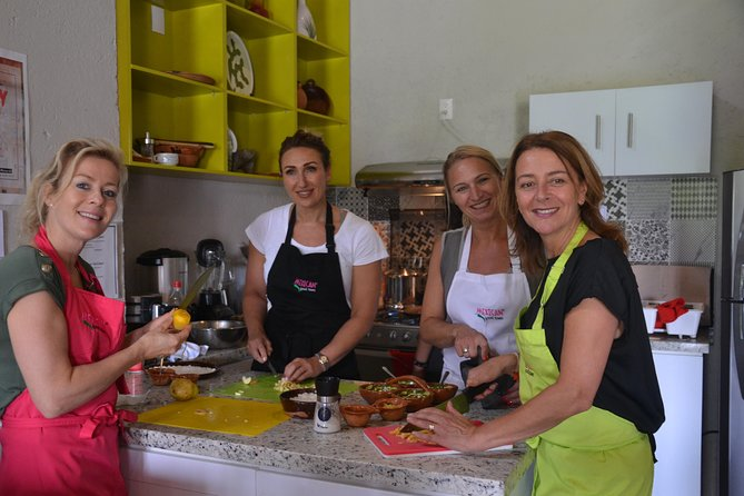 Mexican Food Cooking Class with Food Market Visit