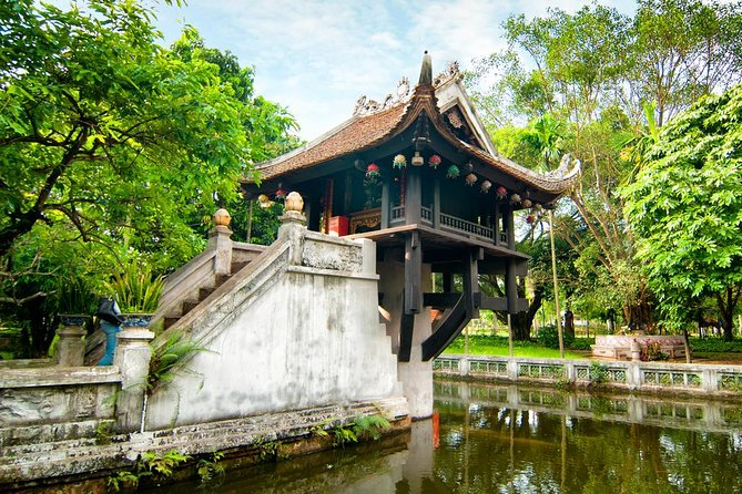Private Hanoi Sightseeing with Electric Car Tour in the Old Quarter