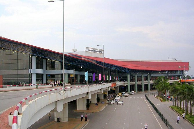 Hanoi Shared Departure Transfer: Hotel to Noi Bai Airport
