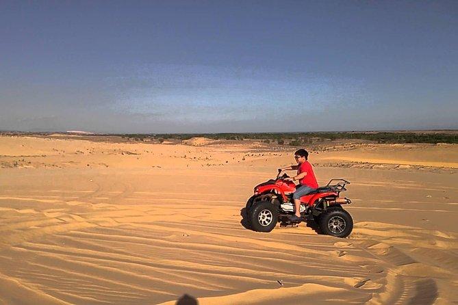 Half-Day Mui Ne Sand Dunes Jeep Tour with Hotel Pickup
