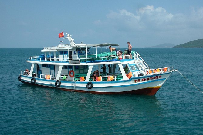 Phu Quoc Islands Day Trip Including Snorkeling and Sunset Fishing
