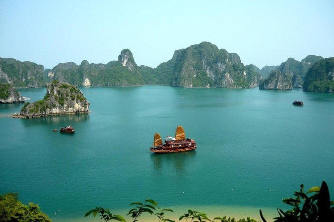 3-Day Halong Bay Cruise with Classes and Transfer From Hanoi