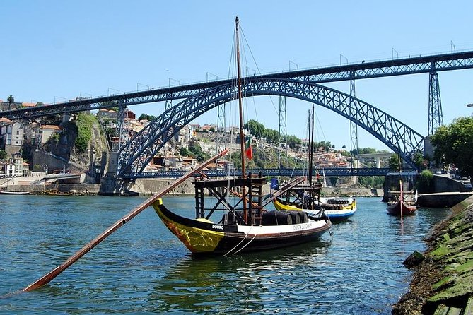 Porto city Tour full day - River cruise, wine cellars and lunch - Small group