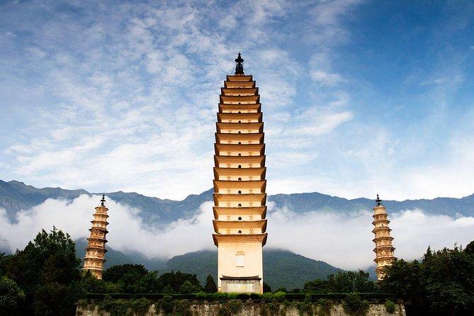 Xizhou Village, Horse Drawn Carriage Ride, Tie-dye Art and Dali Three Pagodas