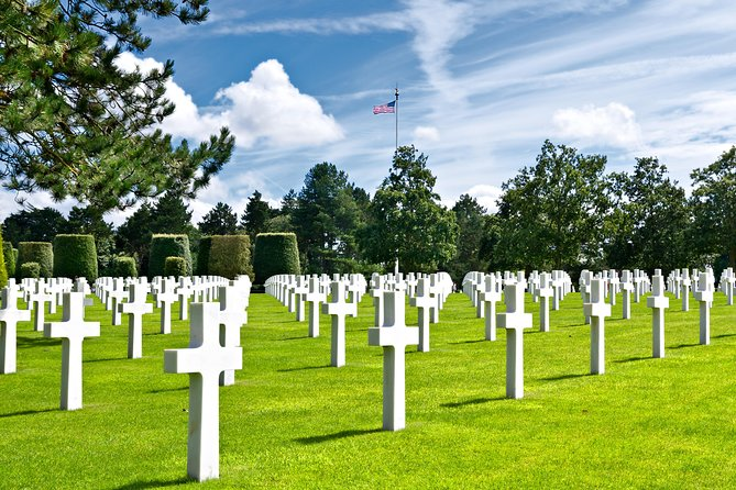 Normandy D-Day Tour with Mémorial de Caen Museum Visit, Lunch & Landing Beaches