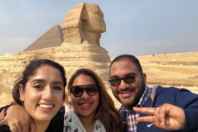 Giza pyramids, sphinx and valley temple tour